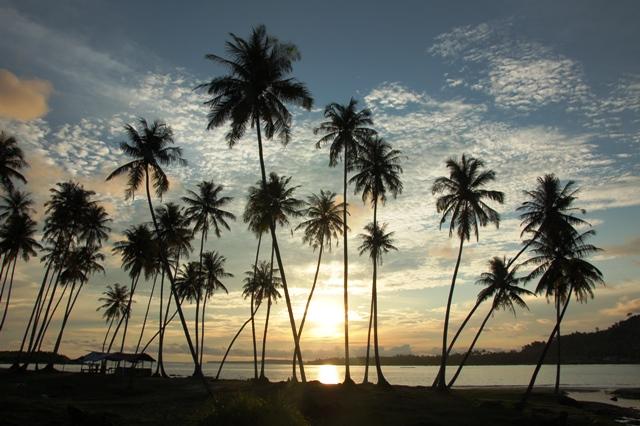 Sunset di Pantai Besung